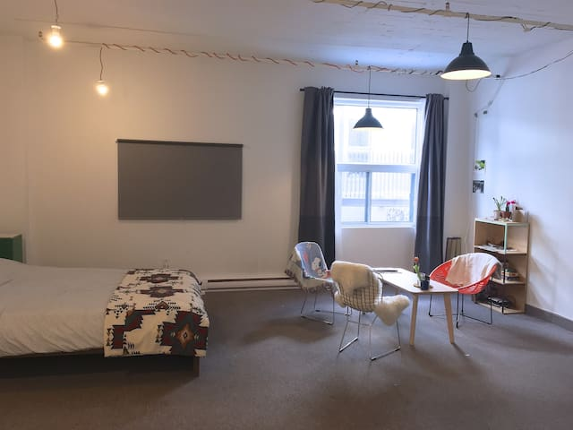 Spacious Private Studio in Heart of Plateau - Montréal - Appartamento