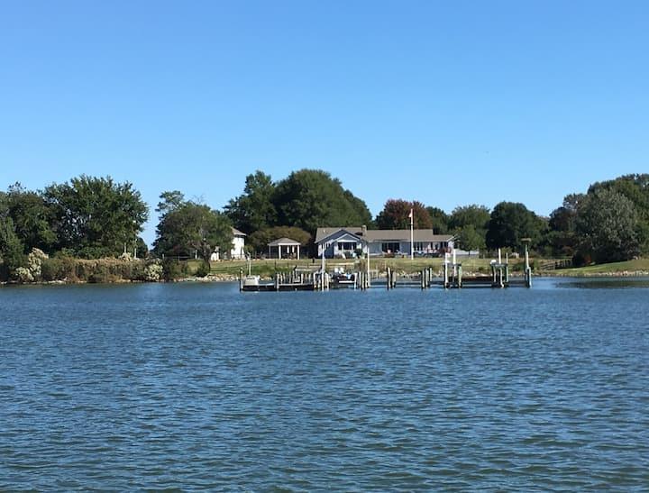 Bluebird Cottage on the Yeocomico River