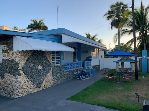 Casa Piedra Beach HouseWiFi-TvAC/Mini shower Pool
