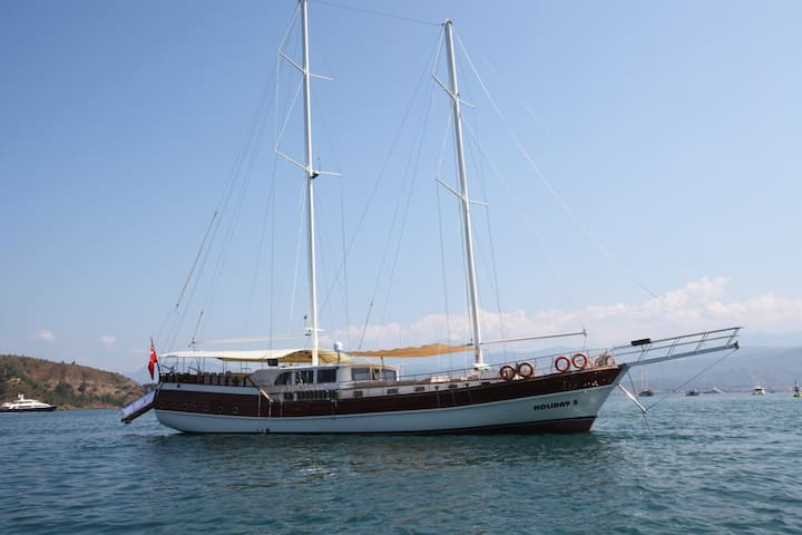 Platin Yachting 10 Cabins 31 Meter
