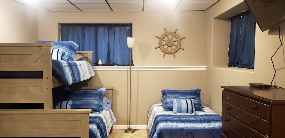 Foster House - Anchor Room