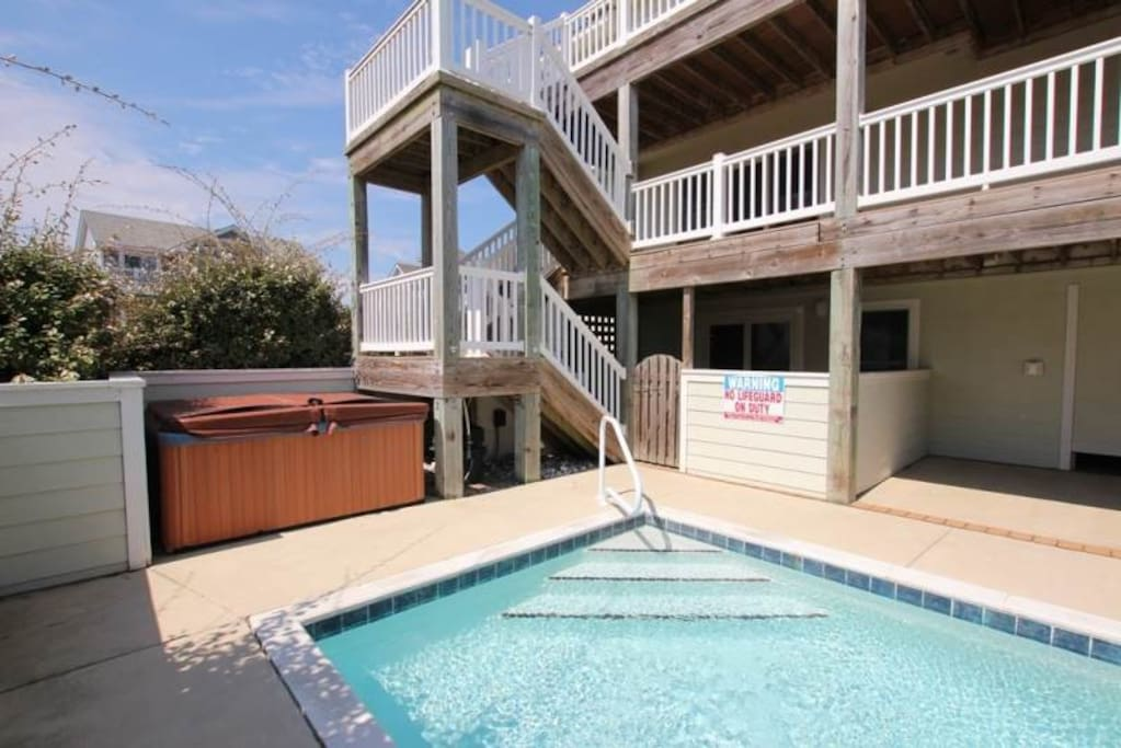 Pool,Water,Deck,Porch,Building