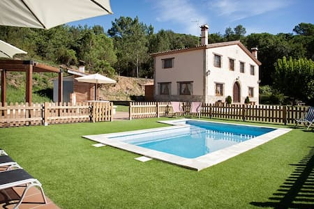 Big home near BCN with pool & BBQ - Gualba - Hus
