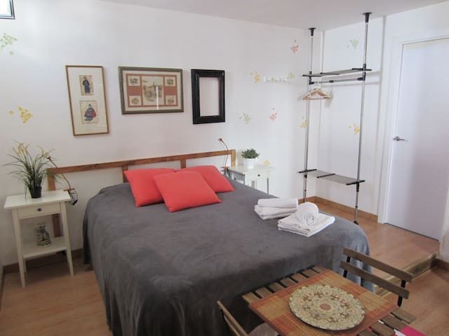 (A27I) ESTUDIO EN CENTRO DE MADRID, low cost, wifi