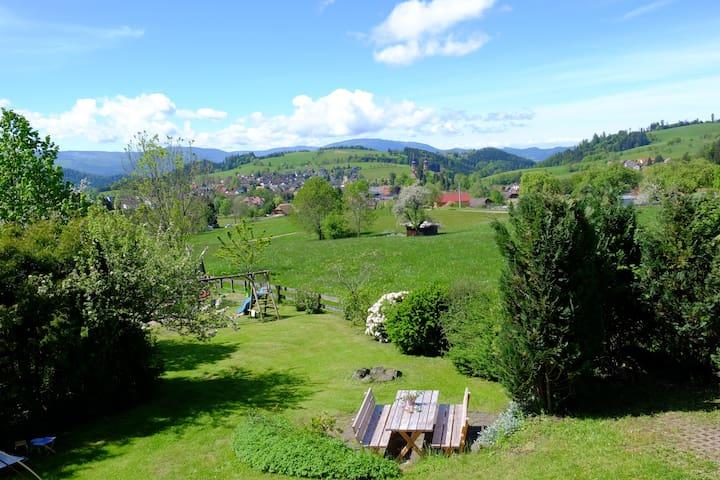 Haus Sonnenwinkel, Panoramablick,20km vor Freiburg