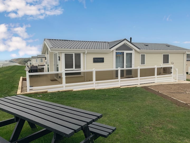 FULL sea view Luxury lodge and amazing views at Hopton Haven ref 80055S
