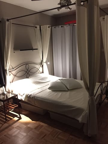 Chambre 1  pour 2 personnes - bedroom 1 for 2 pers
