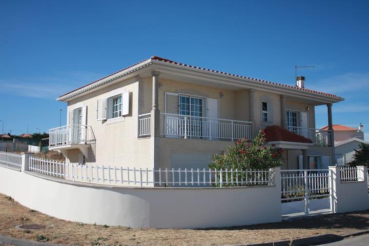 Maison Blanche 3 chambres à Mêda - Mêda - Villa