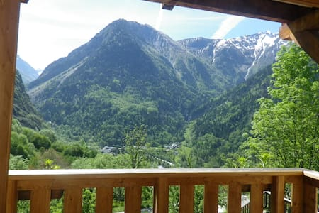 Le Sapey spacieux, grande terrasse, sauna et wifi