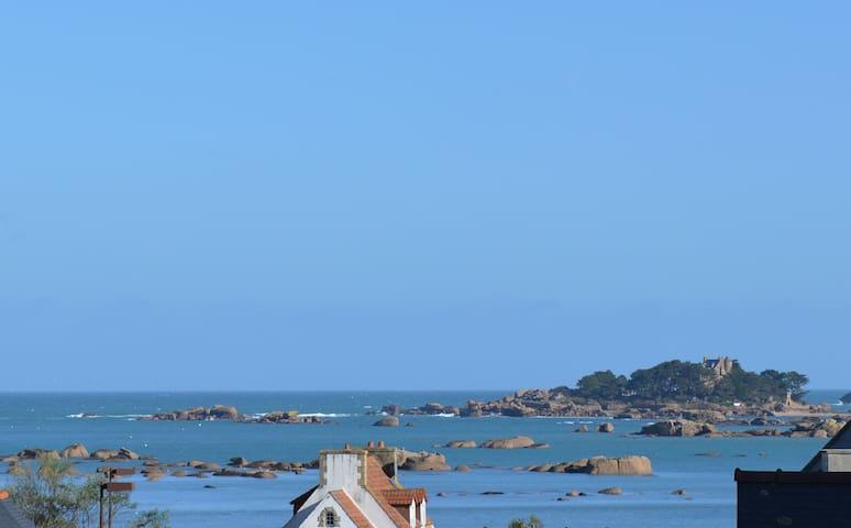 Les Macareux appartement classé 2** vue mer, phare de Ploumanac'h et Coastérès