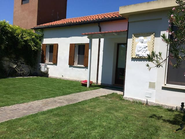 Casa con giardino al Lido Venezia - Lido - House