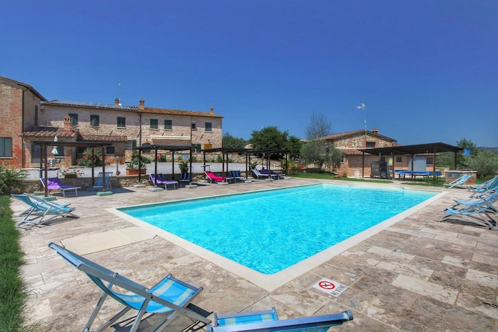 Gorgeous Cottage in Asciano with Swimming Pool