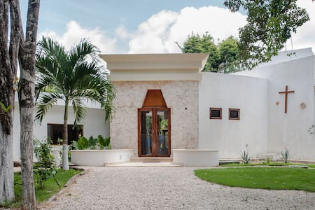 A TOTAL DIFFERENT EXPERIENCE ECO LUXURY IN  JUNGLE - Chemuyil - House - 1