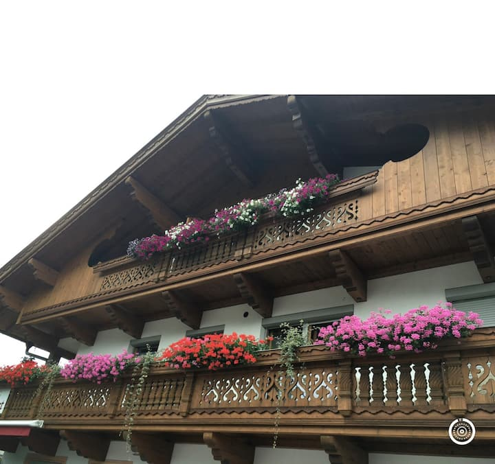 Double bed 🛌 Room N4 with WC in Radfeld Tirol