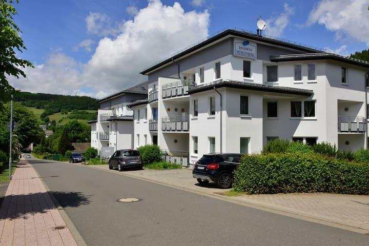 Ferienwohnung im Zentrum von Willingen - Balkon und schöne Aussicht auf den Ort