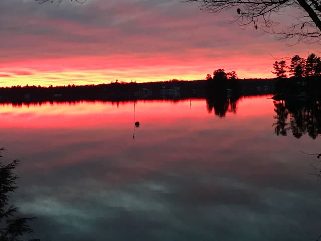 Lake Muskoka Water Front Mainland at Mortimer's Pt