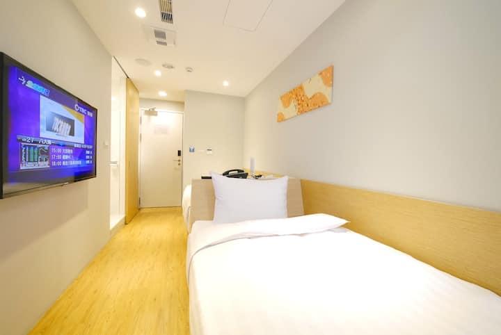 [Shin Sei Bashi Hotel] Business Twin Room