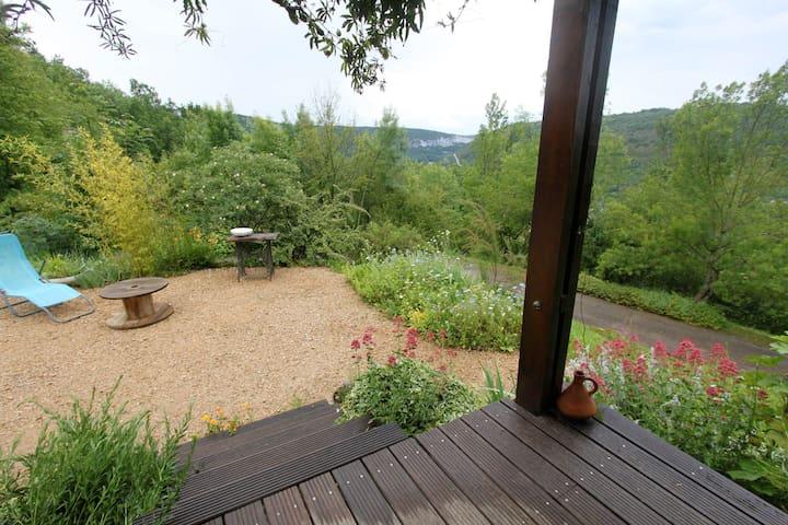 Maison 4 p avec très belle vue sur la vallée - Saint-Antonin-Noble-Val - บ้าน