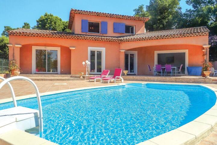 Villa climatisée avec piscine, vue imprenable