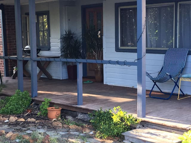 Cute and casual beach house in central Busselton