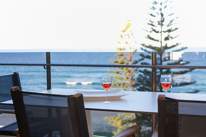 Beachfront Apartment stunning views of Mooloolaba - Buddina - Appartement