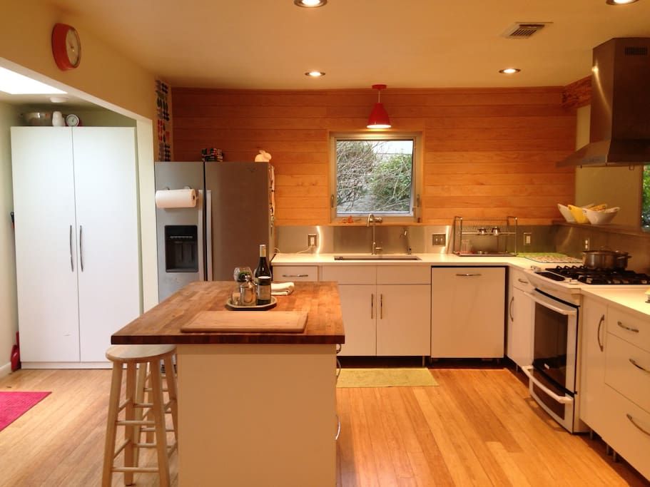 open kitchen, newly remodeled, lots of room