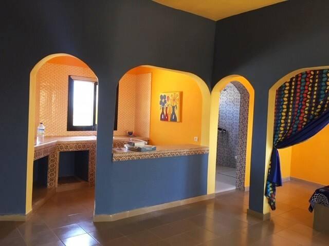 Fresh and Artsy Studio Apartment