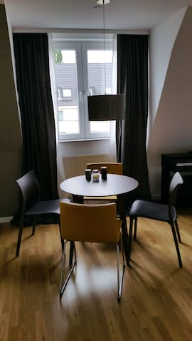 Cologne 2017: The Top 20 Cologne Apartment Rentals - Airbnb, North ...   {Pantryküche design 38}