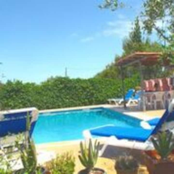 M4V2650 Finca mit Pool bei Campos; 12 max. 15 P.