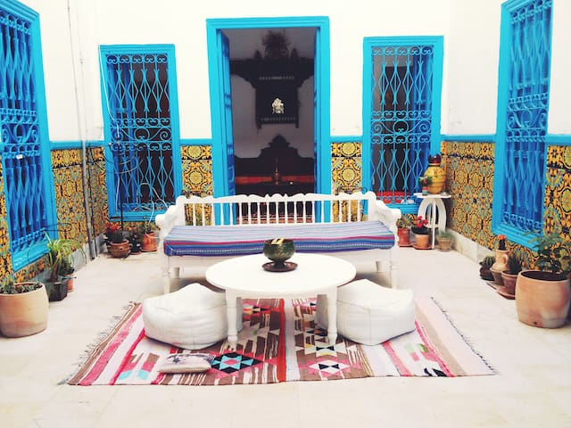 Maison/Chambre à Tunis - Tunis - Bed & Breakfast
