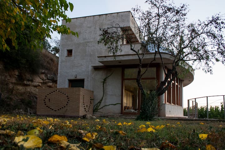 Ecological house with Montserrat views: 4 beds