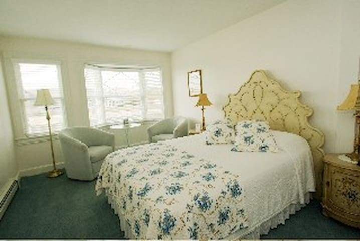 Private Room with Ocean View in B&B - 112