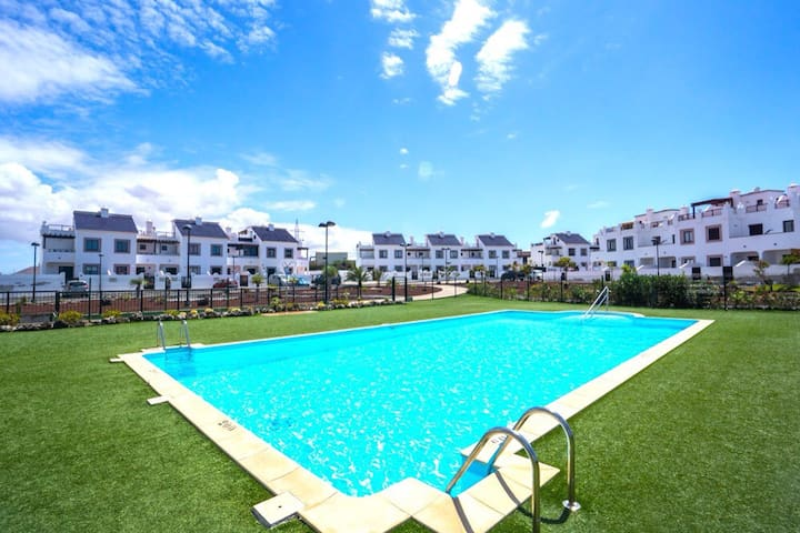 Villa with swimmingpools and tennis - Corralejo - Villa