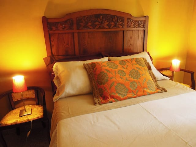 Casa d'artista immersa nel verde - Castellamonte - Bed & Breakfast