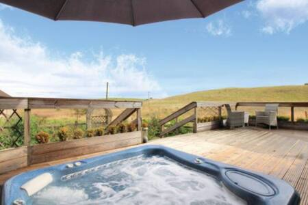 Hot Tub with views private room with bathroom gym - Falkirk - Ev