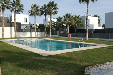La Finca Golf Resort House, Spain - Algorfa