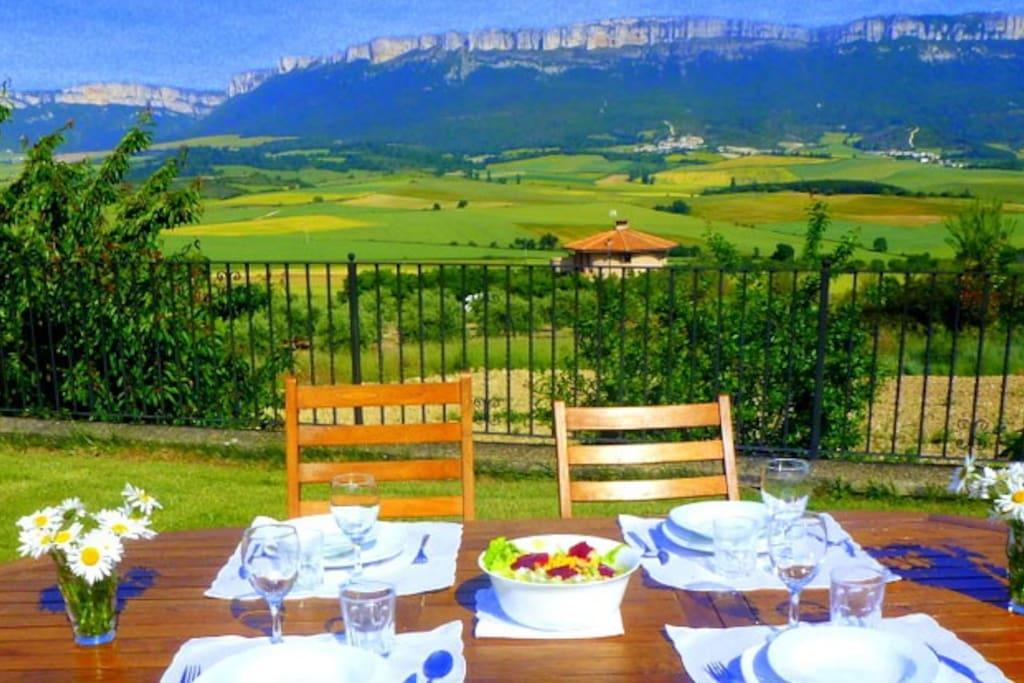 casa rural en Navarra con jardín