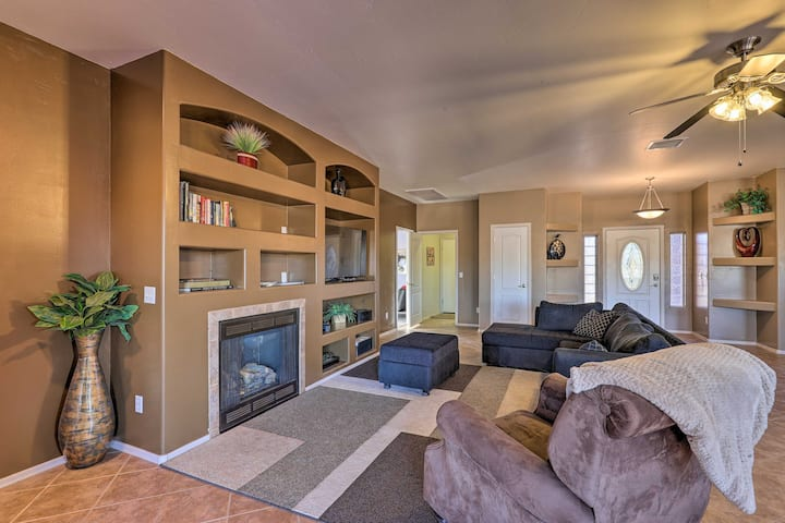 NEW! Desert Oasis w/ Hot Tub: 5 Mi to Wine Country