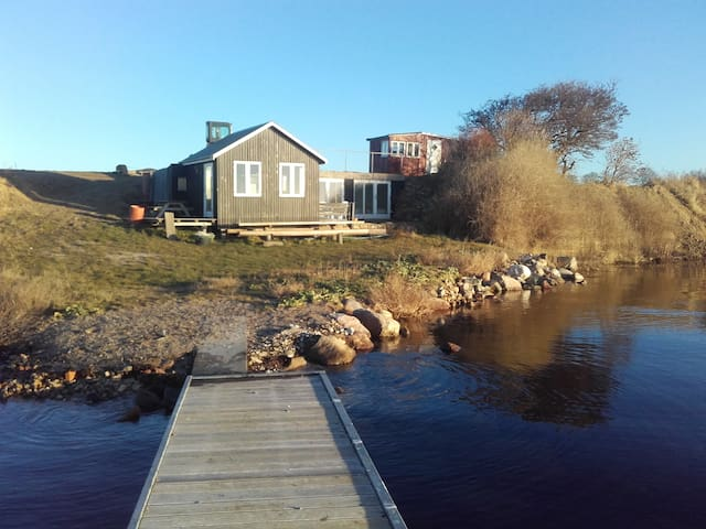 Naturperle i vandkanten - Vester Skerninge - Blockhütte