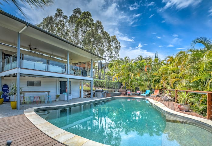 Rise Poolside - Close to beaches - Aroona - Casa