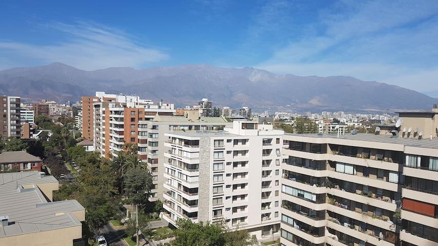 Vista a la Cordillera en barrio Providencia.