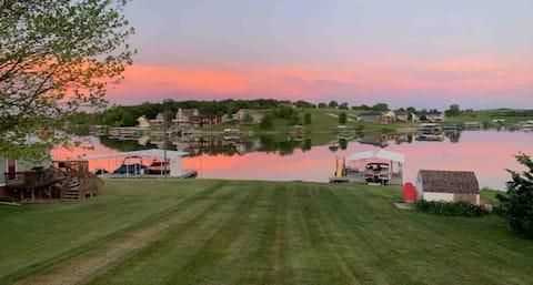 Sun Valley lake in Southern Iowa Lake/hunting Home