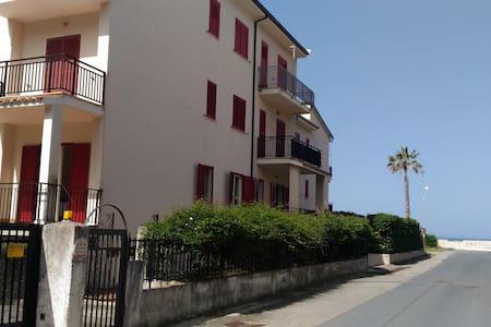 2 min dalla spiaggia - Torremezzo di Falconara - 아파트