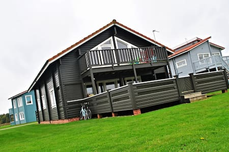Luxury Scandinavian Lodge Norfolk - Fritton - House - 1