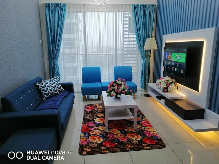 Errana Stay/Melaka/Pool View/8 pax/Wifi