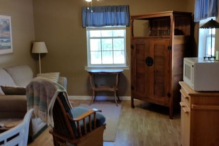 Private apartment with privacy gate - Dothan