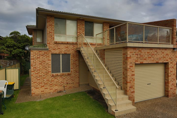 Illawarra Shores - 3 bed, 2 bath - Lake Illawarra - Rumah