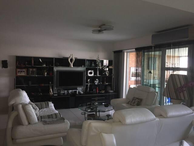 Excelente apartamento  no Rio de Janeiro.