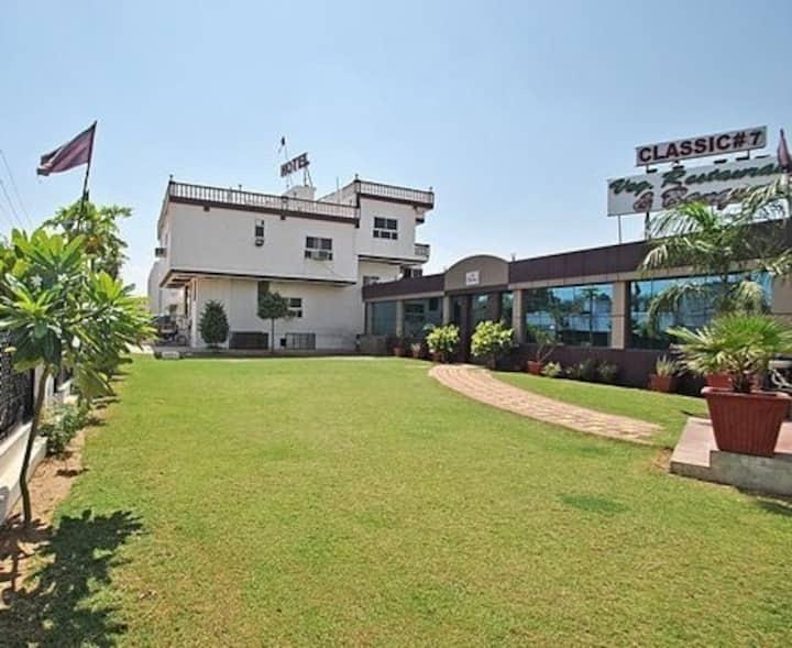 hospitality@own home at main ajmer road,jaipur