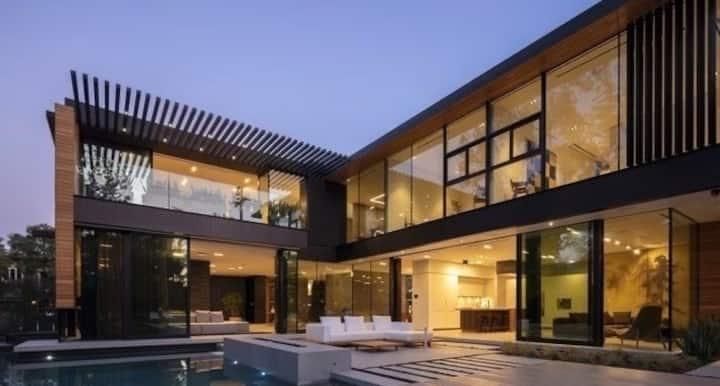 Modern Architecture,Cutting Edge Design.